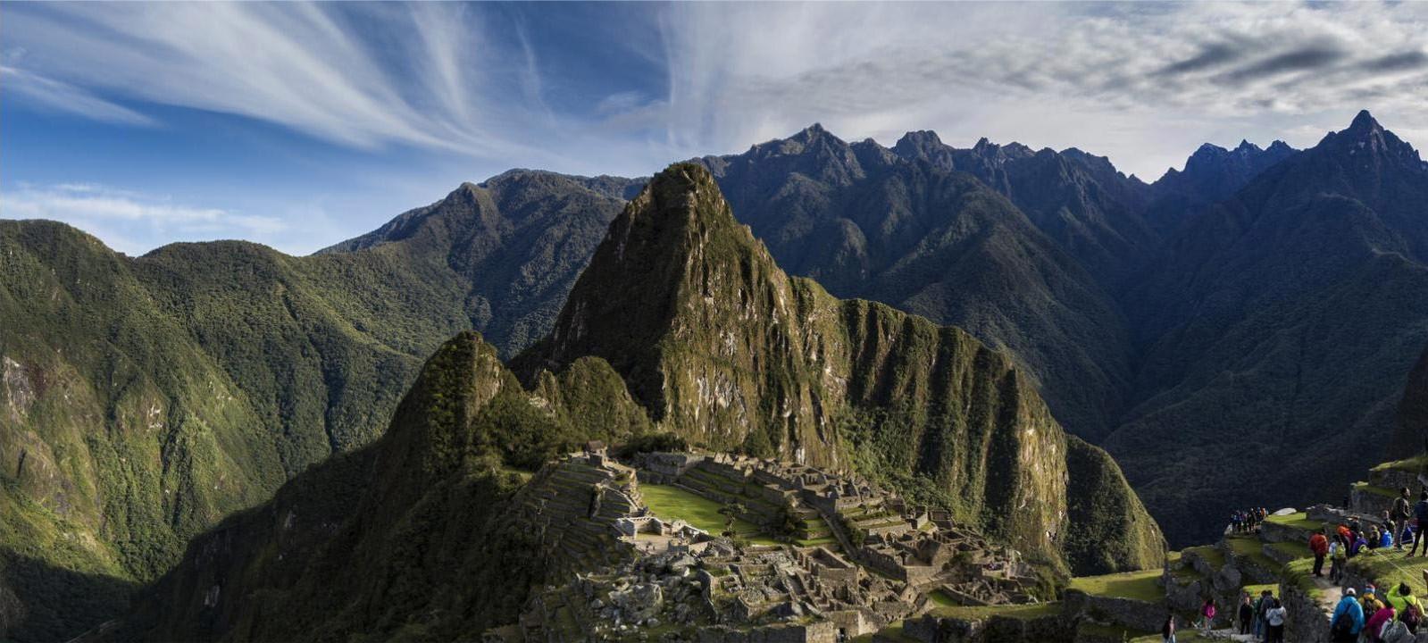 classic inca trail hike to machu picchu 4 days