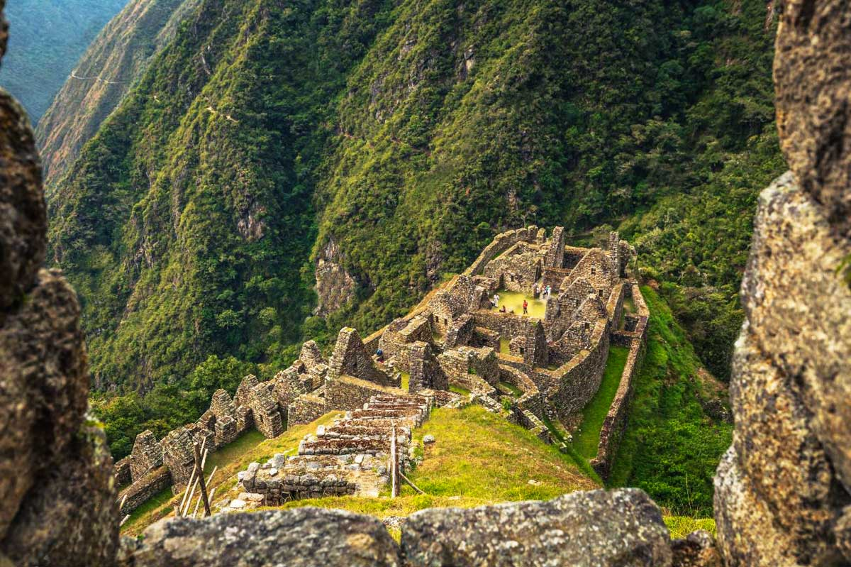 2 days inca trail to machu picchuwiñay huayna